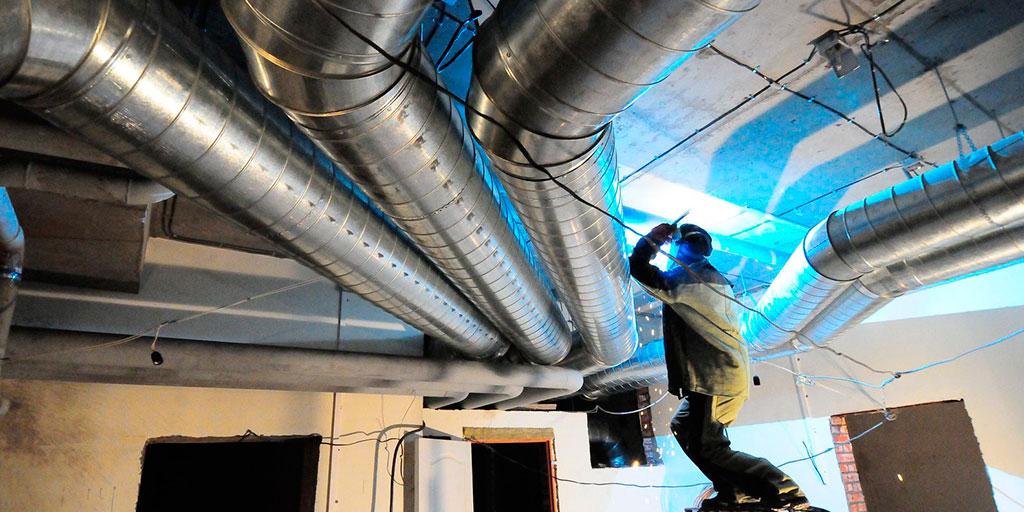 монтаж вентиляции на производстве и в офисах
